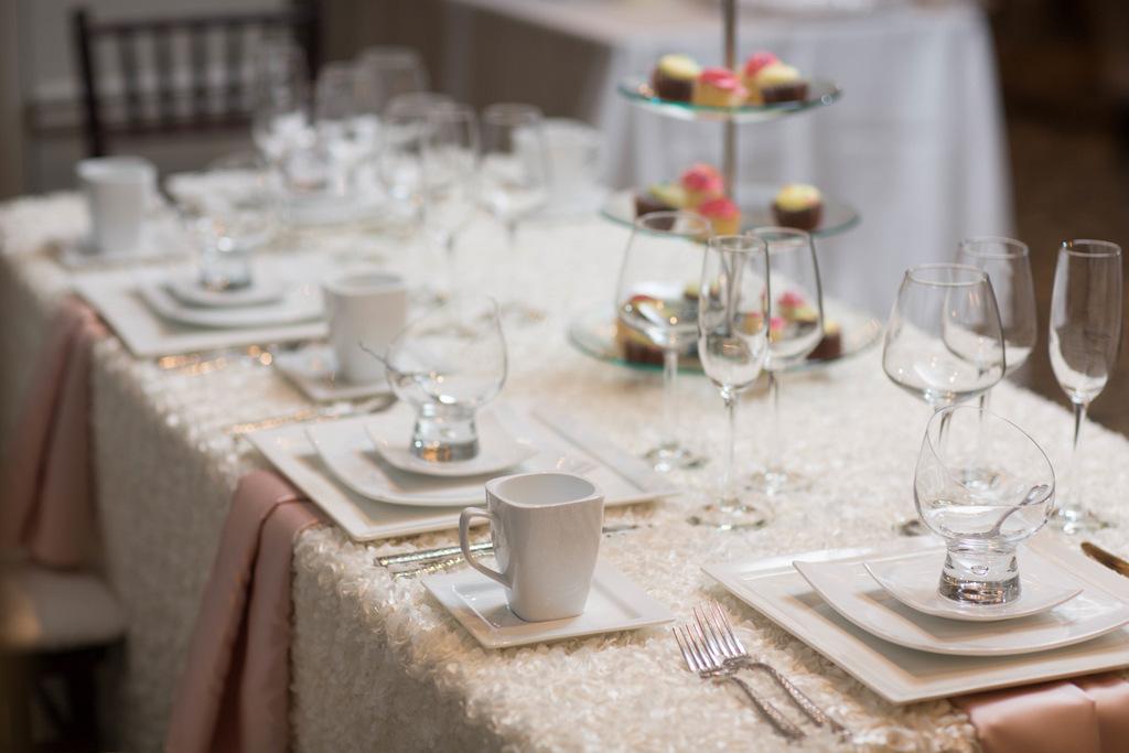 Barrington's White House Ballroom Wedding
